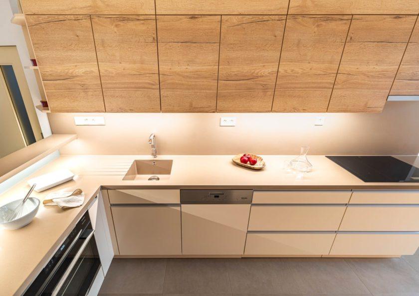 Rohová kuchyňská linka vyřeší problémy s prostorem